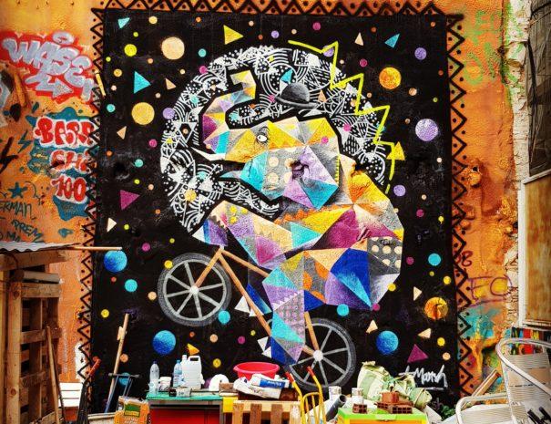 Street art tour barcelona
