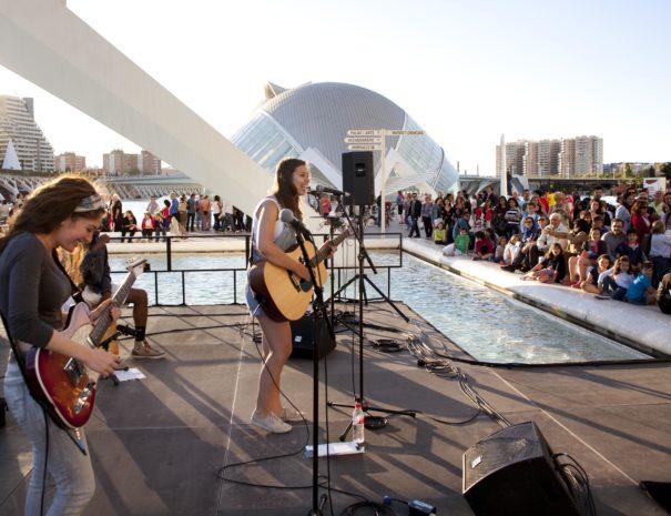 Concierto en la Ciudad de las Artes y las Ciencias de Valencia en España