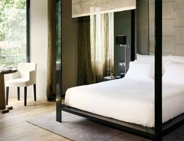 Sir Victor Barcelona room