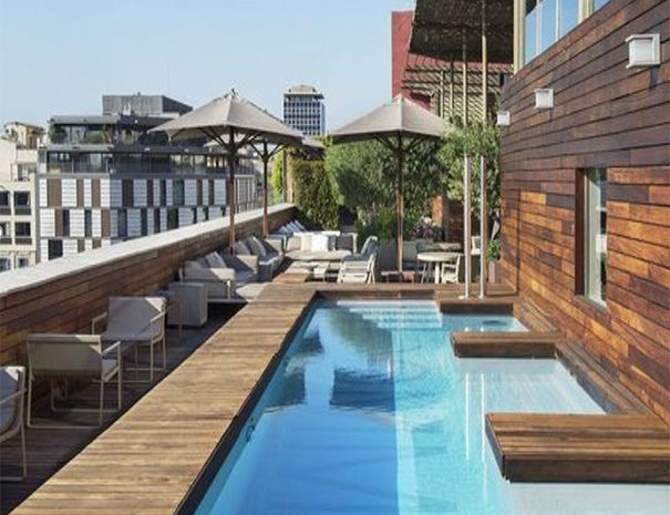 Sir Victor Barcelona swimming pool