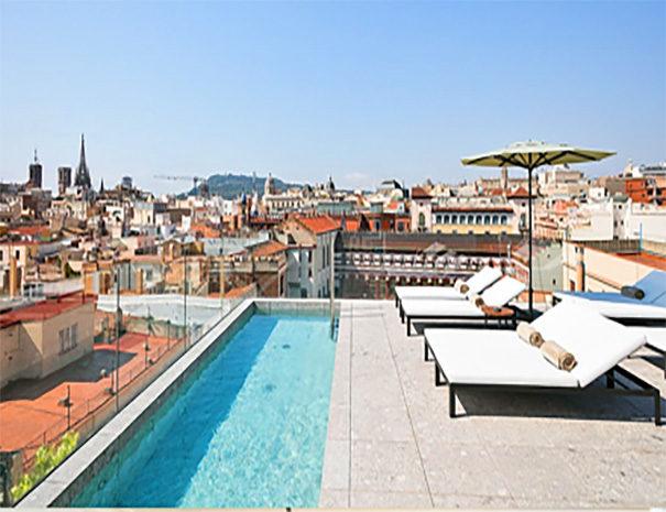 Yurbban Trafalgar Hotel Barcelona rooftop