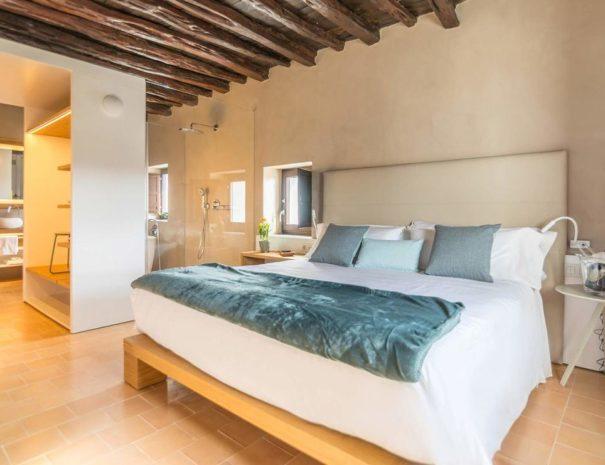 Ibiza safragell room