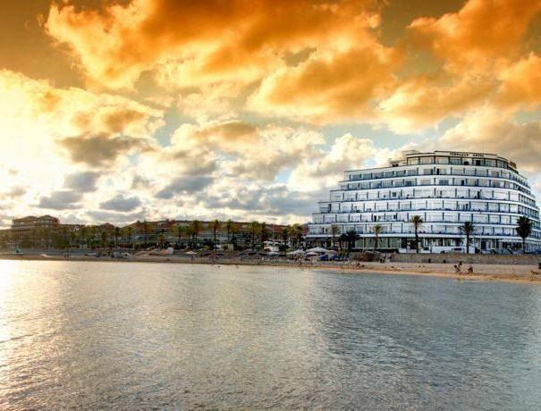 Me sitges terramar hotel beach building