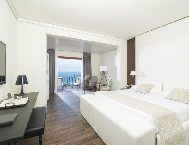 Santa marta hotel Catalonia bedroom
