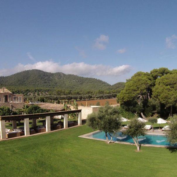 Garden with swimming pool in Can Simoneta hotel in Mallorca