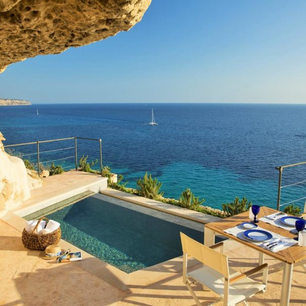 Pool suite with sea view in Cap Rocat hotel in Mallorca