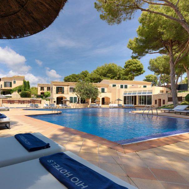 Swimming pool in H10 Punta Negra in Mallorca