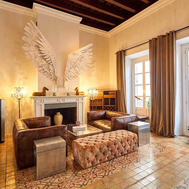 Purohotel living room