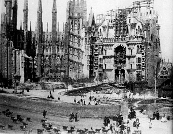 Old-photograph-Sagrada-Familia