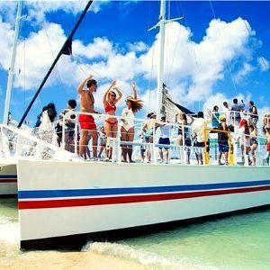 Best catamaran team building activity barcelona
