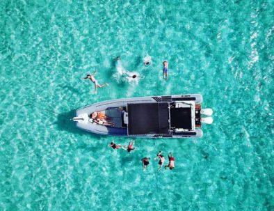 Divertida excursión en barco por Ibiza