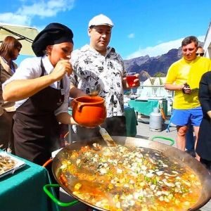 Paella cooking show in Valencia