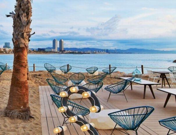 Espacio para eventos con terraza en la playa de Barcelona