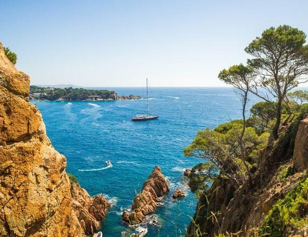 Vue mer sur la Costa Brava, parfaite destination pour un séminaire d'entreprise en Espagne