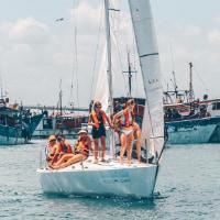 cruise catamaran barcelona