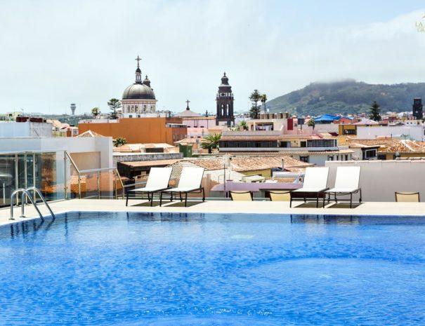Piscine rooftop de l'hôtel La Laguna Gran Hotel