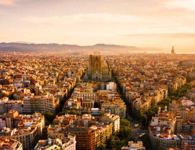 Vue aérienne de Barcelone au coucher du soleil