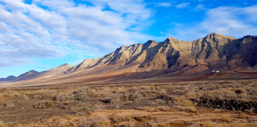 Montaña volcánica en Fuerteventura