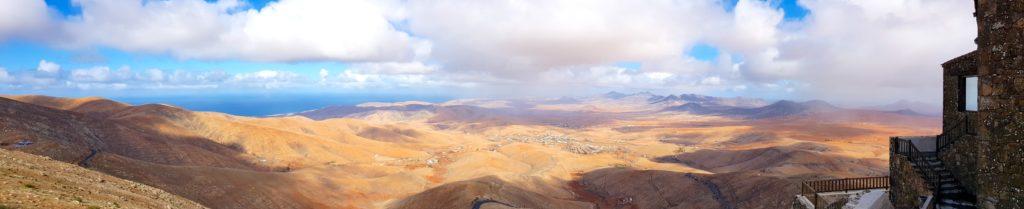 Panorama sobre el desierto de Fuerteventura