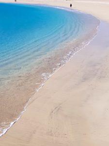 Playa y aguas cristalinas en Fuerteventura
